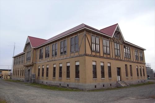 林木育種場旧庁舎右側