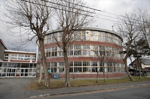 江別第3小学校・円形校舎