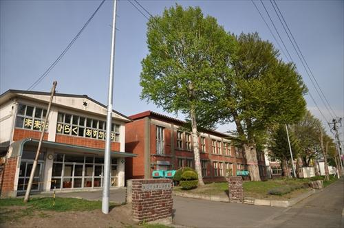 江別第三小学校のレンガ校舎