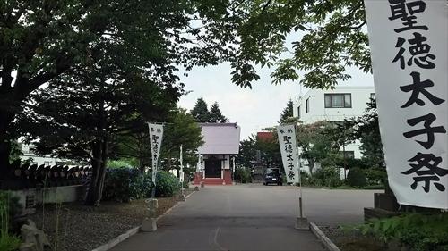 天徳寺内の参道