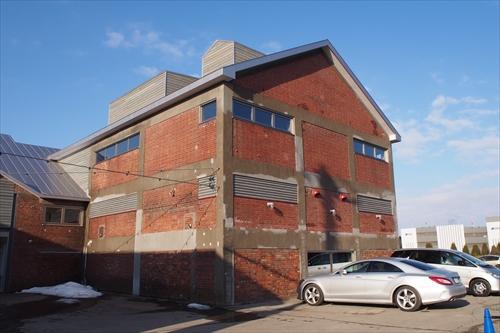 建物正面右側