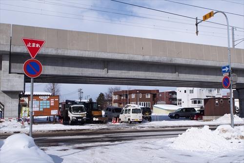 高架下の工事車両基地