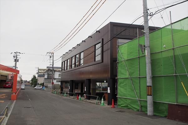 旧店舗の奥に徳寿新店舗