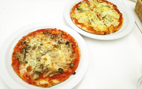 六花亭ピザ