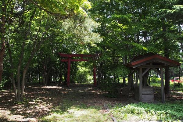 王子神社・境内