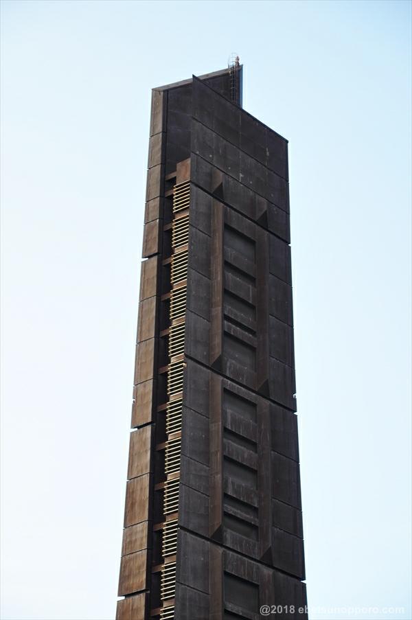 百年記念塔・上部分