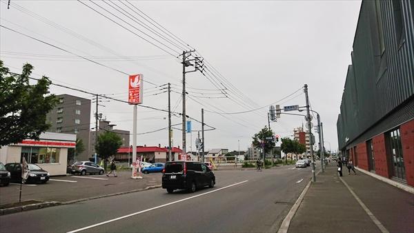野幌駅南口とセイコーマート