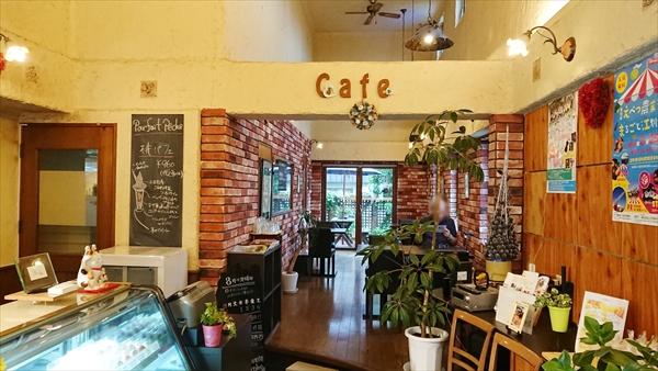 店舗内カフェ