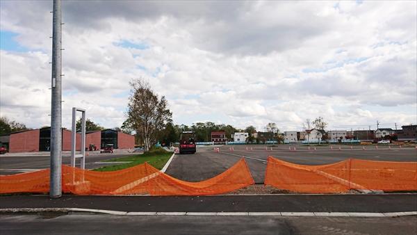 TSUTAYA駐車場