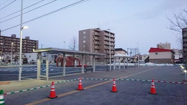 野幌駅南口駅前広場・バス停のりば