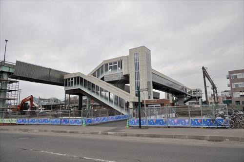 跨線人道橋・南側