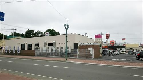 8丁目通り商店街側のスシロー江別店