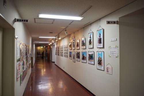 まちづくり彩々展廊下ギャラリー