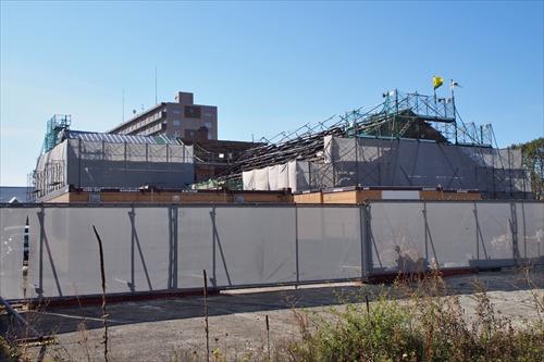 工事中のヒダ工場側面