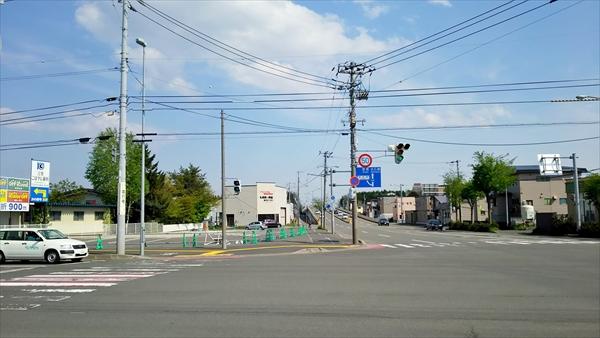 5丁目通りと国道12号線の交差点