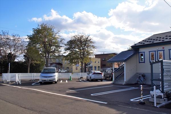 カフェ・トイトイトイ駐車場