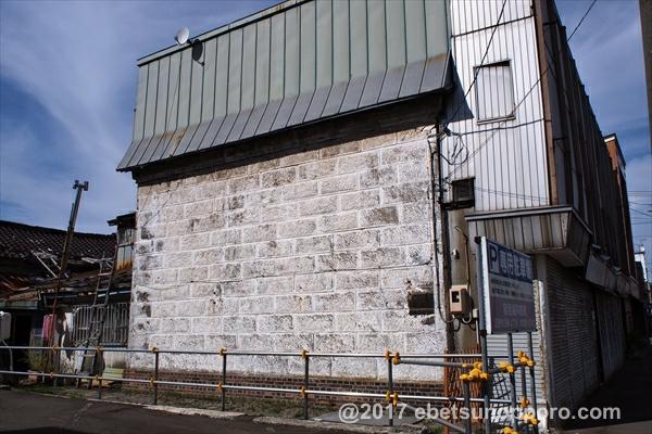 旧セイコーマート外壁