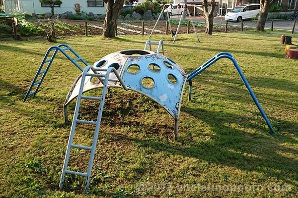 クモの遊具