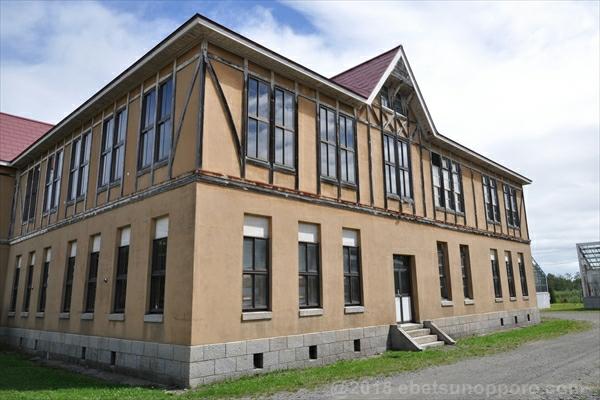 北海道林木育種場旧庁舎・西側