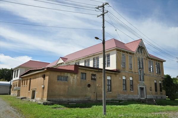 北海道林木育種場旧庁舎・東側