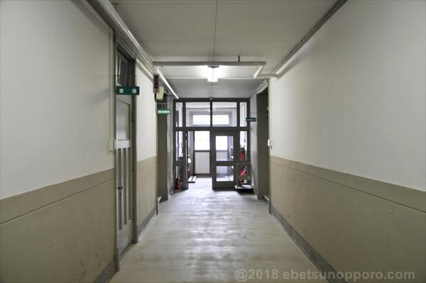 1階西側廊下