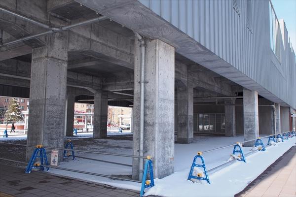 駅高架下スペース