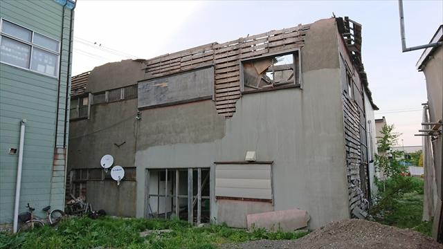 廃墟ビル裏側