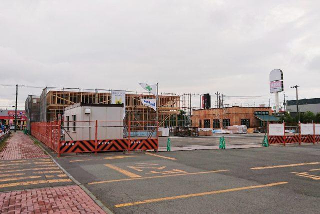 イオン江別店駐車場