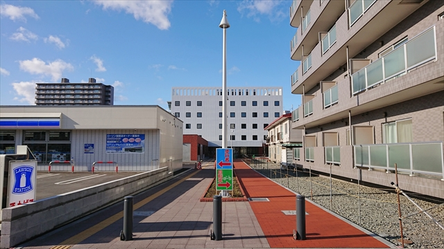 駅南グリーンモール南側出入口