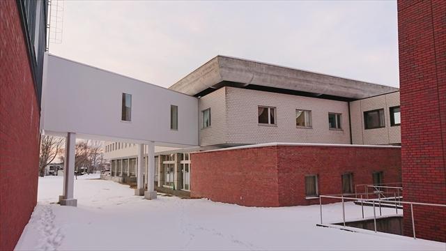 北海道立図書館裏側