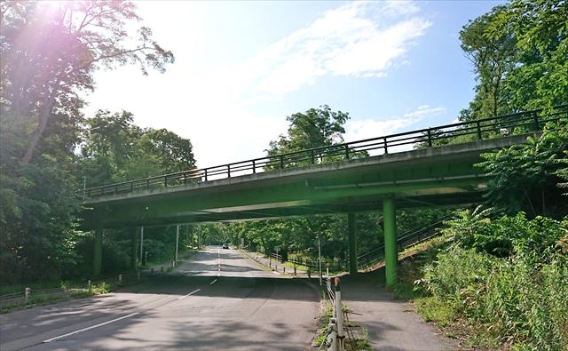 アンダーパスから見た つつみ橋