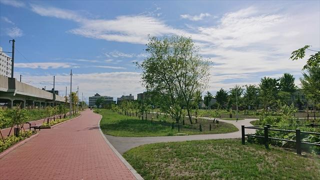 東西グリーンモールと緑地