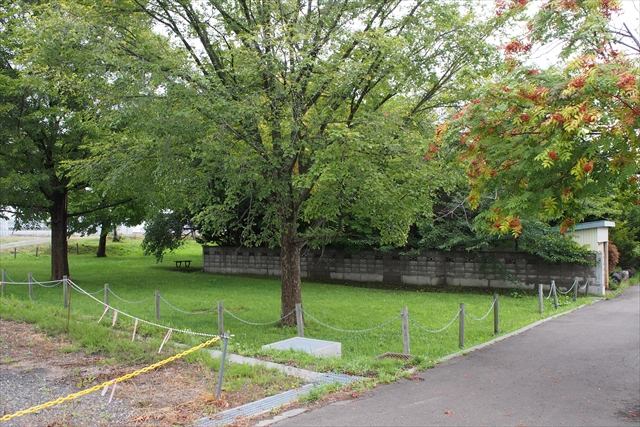 モショッケ公園南側出入口