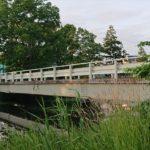 泉の沼公園内ガーダー橋(西)