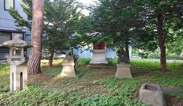 玉姫稲荷神社境内